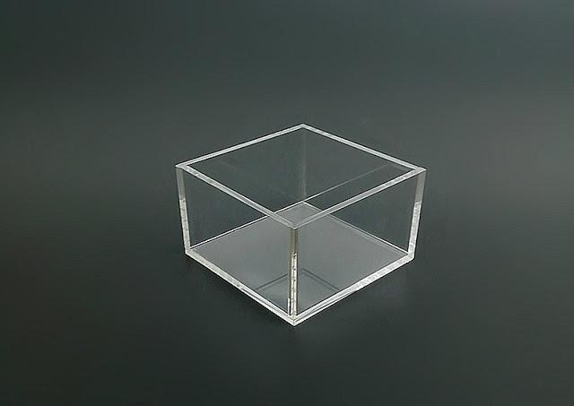 hộp mica trong đựng đồ