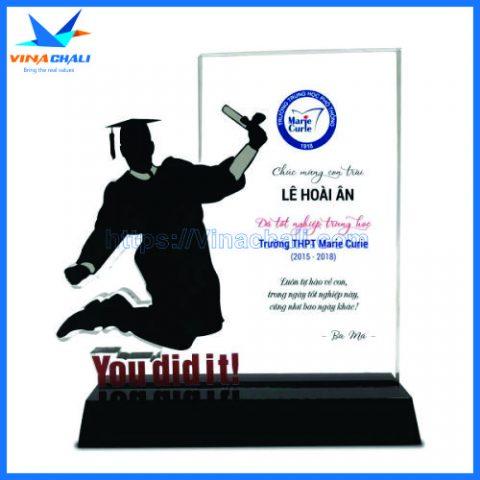 Kỷ niệm chương lễ tốt nghiệp nam 1